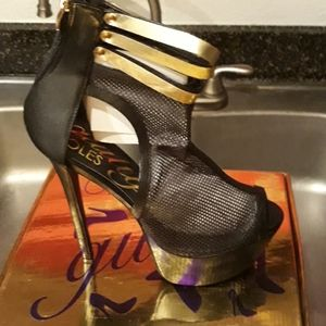 Make an offer. Must sell today! Size 11 Heels